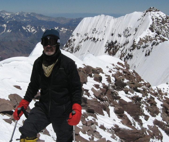 Filo del guananco a pasos de la cumbre de Aconcagua 6.962m